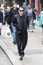 Rooney Mara Stills Out and About in New York 2018/05/06 4