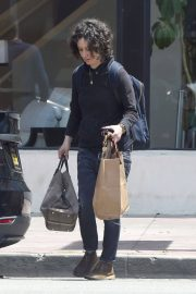 Sara Gilbert Stills Out and About in Los Angeles 2018/05/06 4
