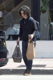 Sara Gilbert Stills Out and About in Los Angeles 2018/05/06 5
