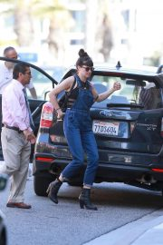Shailene Woodley Stills Out Shopping in West Hollywood 2018/05/22 3