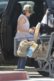 Shannen Doherty Stills Out Shopping at Trancas Country Market in Malibu 2018/04/29 1