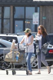 Shannen Doherty Stills Out Shopping at Trancas Country Market in Malibu 2018/04/29 8