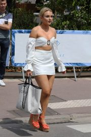 Tallia Storm Stills Out and About in Cannes 2018/05/09 5