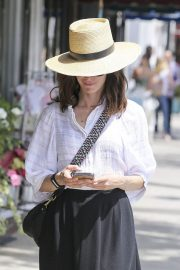 Abigail Spencer Out Shopping in Los Angeles 2018/06/04 1