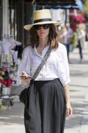Abigail Spencer Out Shopping in Los Angeles 2018/06/04 6
