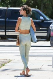 Alessandra Ambrosio Leaves Yoga Class in Los Angeles 2018/06/11 12