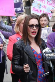 Alyssa Milano at Era Coalition Call for Ratification of the Equal Rights Amendment in New York 2018/06/04 7