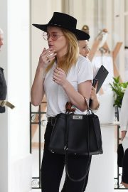 Amber Heard Leaves Her Hotel in Cannes 2018/05/13 10