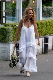 Ampika Pickston at Piccolinos Restaurant in Cheshire 2018/06/05 10