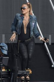 Anastacia Opens for Lionel Richie at Franklin's Gardens in Northampton 2018/06/01 2