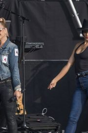 Anastacia Opens for Lionel Richie at Franklin's Gardens in Northampton 2018/06/01 4