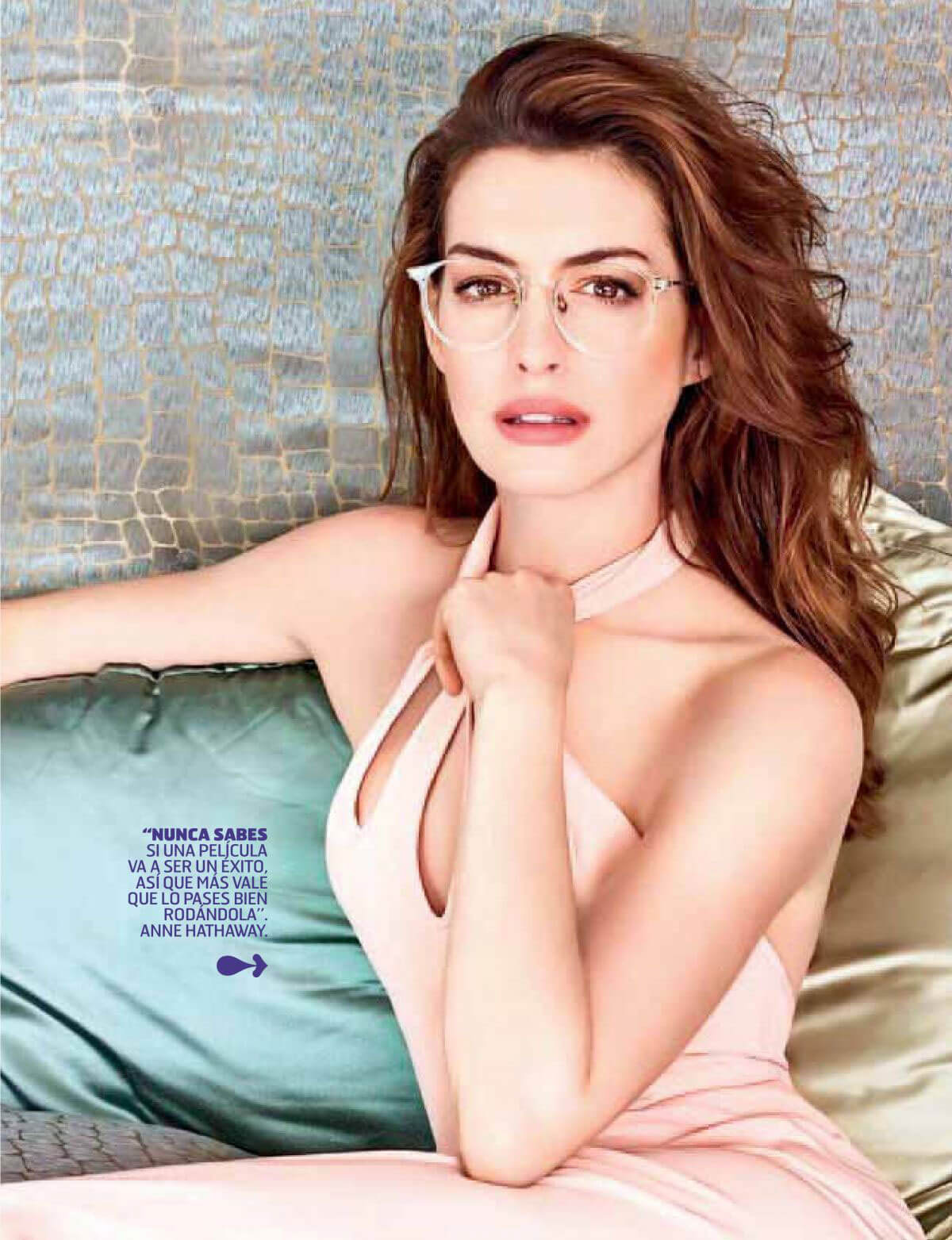Anne Hathaway in Oh! Magazine, June 2018 Issue 1