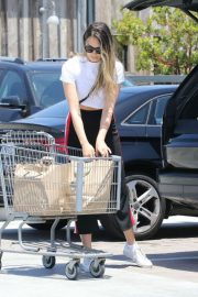 April Love Geary Out Shopping in Malibu 2018/06/09 12