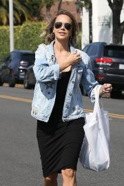 Arielle Kebbel Stills Out Shopping in Beverly Hills 2018/06/07 6