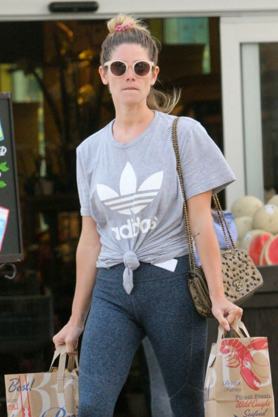 Ashley Greene Shopping at Bristol Farms in Beverly Hills 2018/06/04 9