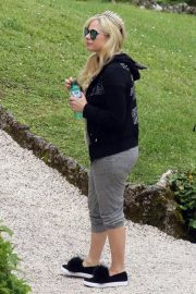 Avril Lavigne on Vacation on Lake Como in Italy 2018/05/31 1