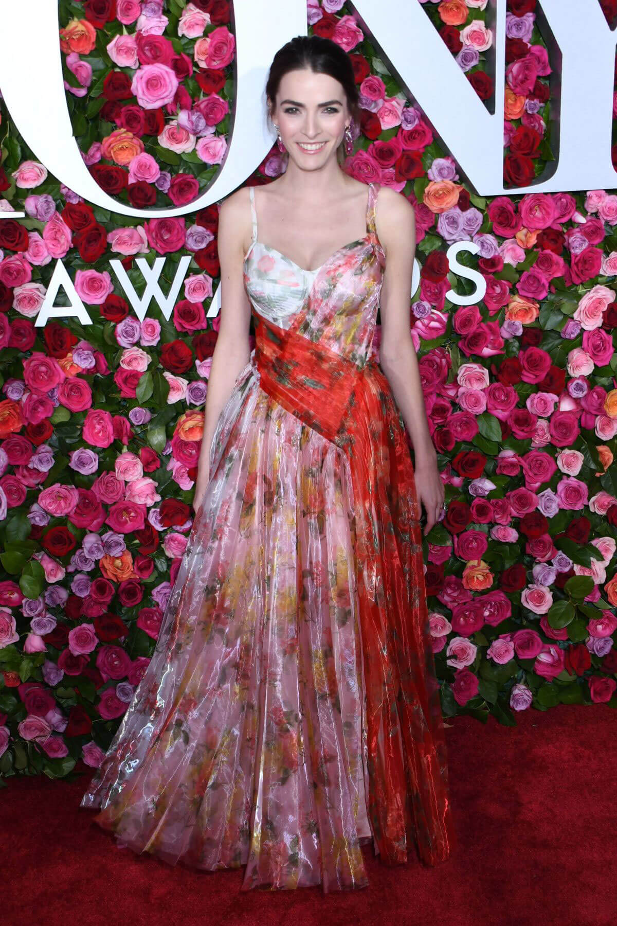 Bee Shaffer at 2018 Tony Awards in New York 2018/06/10 ...