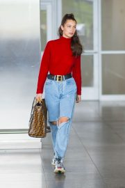 Bella Hadid in Ripped Jeans at JFK Airport in New York 2018/06/02 1