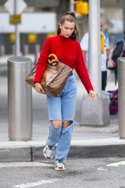 Bella Hadid in Ripped Jeans at JFK Airport in New York 2018/06/02 9