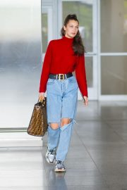Bella Hadid in Ripped Jeans at JFK Airport in New York 2018/06/02 10