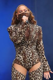 Beyonce and Jay z performs at on the run ii tour inlondon 2018/06/15 1