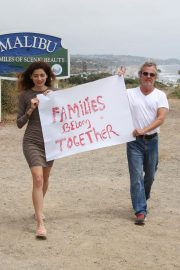 Blanca Blanco Supports Family's Belong Together in Malibu 2018/06/22 8