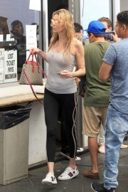 Brandi Glanville Out Shopping in Beverly Hills 2018/06/19 2