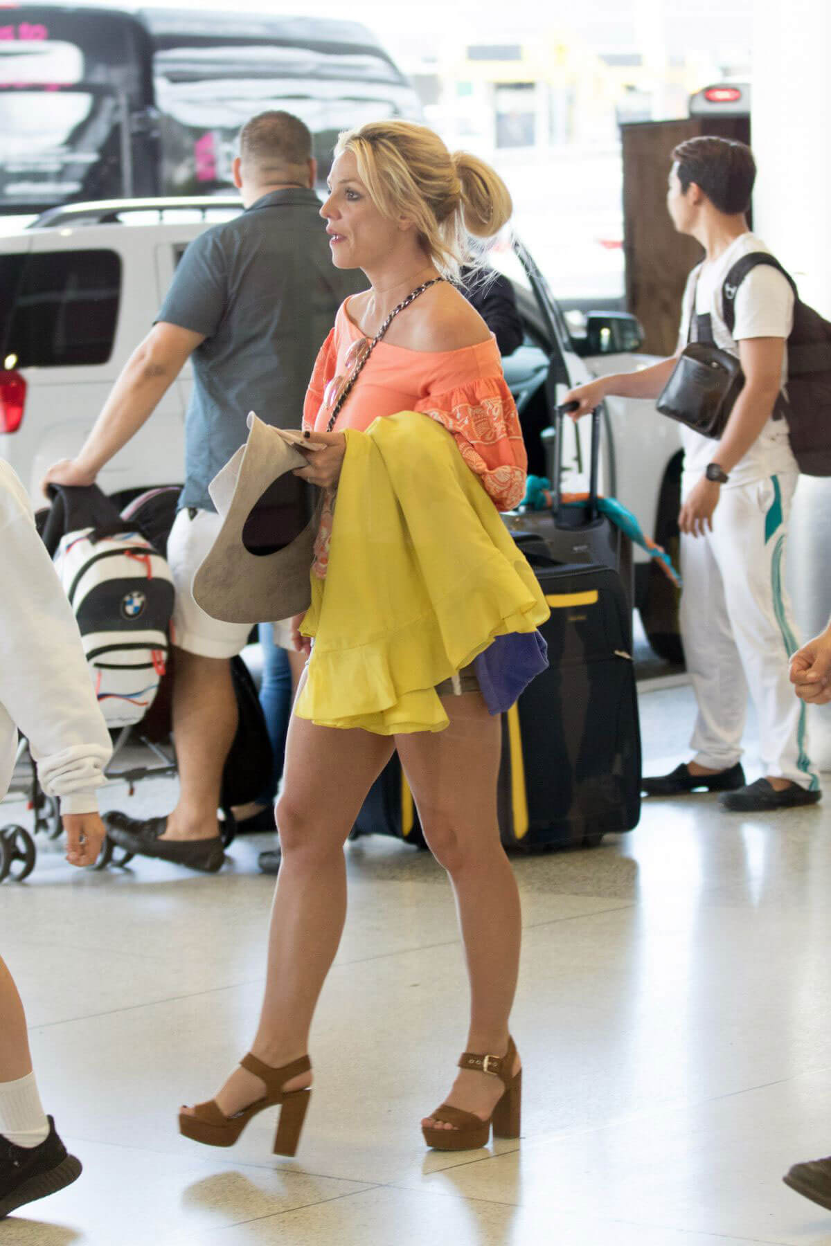 Britney Spears Stills Arrives at Airport in Miami 2018/06/05 1