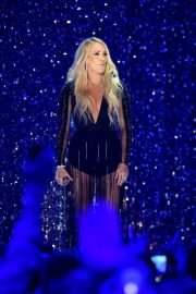 Carrie Underwood Performs at 2018 CMT Music Awards in Nashville 2018/06/06 5