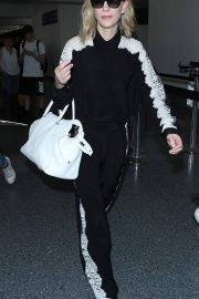 Cate Blanchett at LAX Airport in Los Angeles 2018/06/06 5