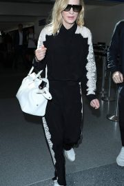 Cate Blanchett at LAX Airport in Los Angeles 2018/06/06 6