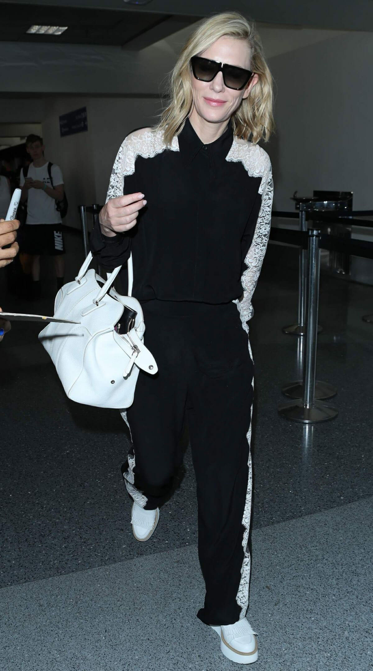 Cate Blanchett at LAX Airport in Los Angeles 2018/06/06 10
