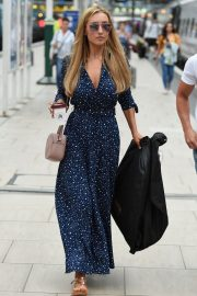 Catherine Tyldesley at Manchester Piccadilly Train Station 2018/06/02 1