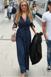 Catherine Tyldesley at Manchester Piccadilly Train Station 2018/06/02 3