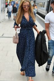 Catherine Tyldesley at Manchester Piccadilly Train Station 2018/06/02 4
