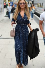 Catherine Tyldesley at Manchester Piccadilly Train Station 2018/06/02 5