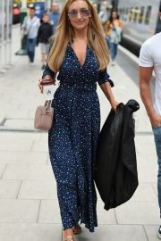Catherine Tyldesley at Manchester Piccadilly Train Station 2018/06/02 10