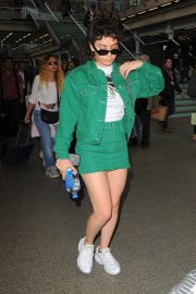 Charli XCX at Kings Cross St Pancras Railway Station in London 2018/06/21 1