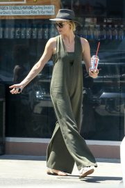 Charlize Theron Out and About in Los Angeles 2018/06/09 2