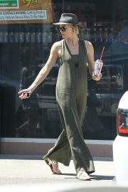 Charlize Theron Out and About in Los Angeles 2018/06/09 5
