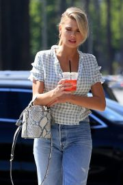 Charlotte McKinney in Jeans Out and About in Los Angeles 2018/06/01 5