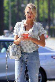 Charlotte McKinney in Jeans Out and About in Los Angeles 2018/06/01 7