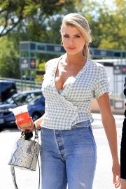 Charlotte McKinney in Jeans Out and About in Los Angeles 2018/06/01 13