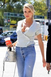 Charlotte McKinney in Jeans Out and About in Los Angeles 2018/06/01 18