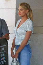 Charlotte McKinney in Jeans Out and About in Los Angeles 2018/06/01 22