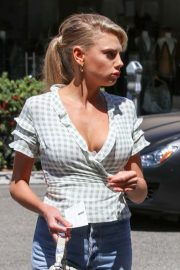 Charlotte McKinney in Jeans Out and About in Los Angeles 2018/06/01 28