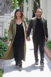 Chrissy Teigen and John Legend Out in Los Angeles 2018/05/31 1