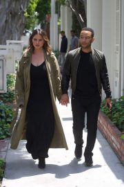 Chrissy Teigen and John Legend Out in Los Angeles 2018/05/31 3