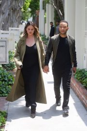 Chrissy Teigen and John Legend Out in Los Angeles 2018/05/31 6