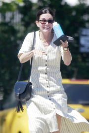 Courteney Cox Out for Lunch in Malibu 2018/05/29 4